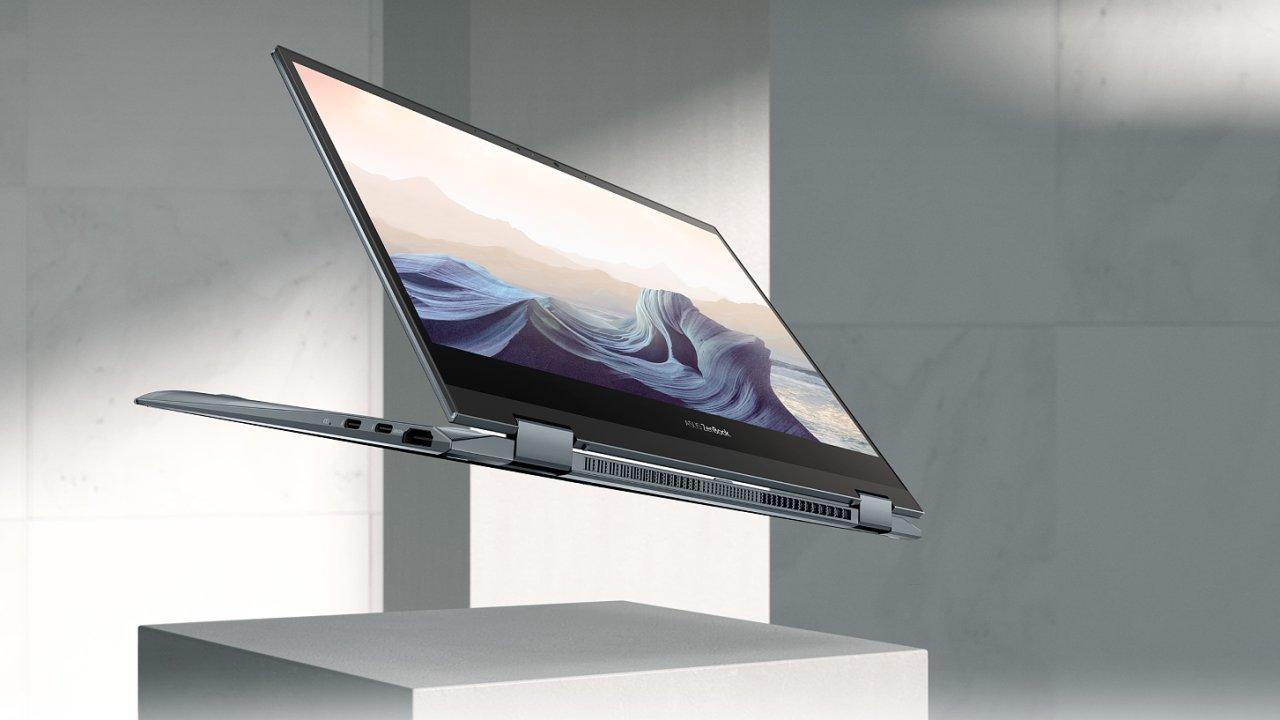 Počítač i tablet v jednom těle od Asusu má překvapivou výdrž i výkon, nejen OLED displej