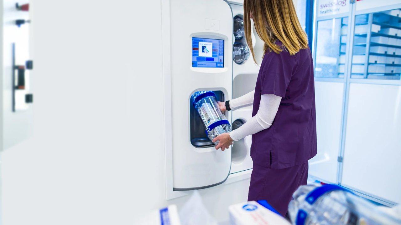 Potrubní pošta slouží v tisícovkách nemocnic k bezpečnému přesunu vzorků a léků, řídí ji ale počítačový systém, a to je potenciální problém