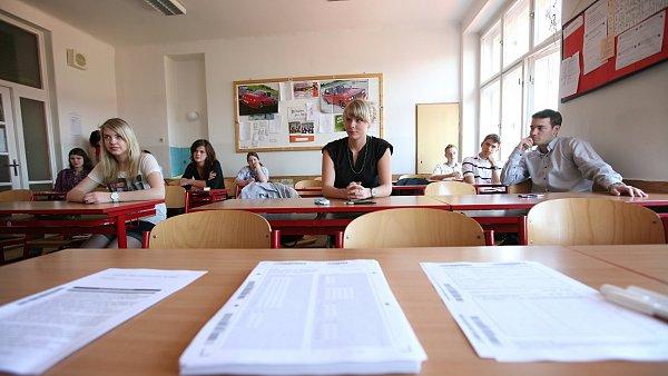 Studenti u státních maturit