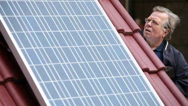 Dom�cnosti pro instalace fotovoltaick�ch elektr�ren s v�konem do 10 kilowatt� nebudou pot�ebovat licenci.