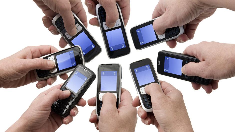 Telefon, ilustrační foto.
