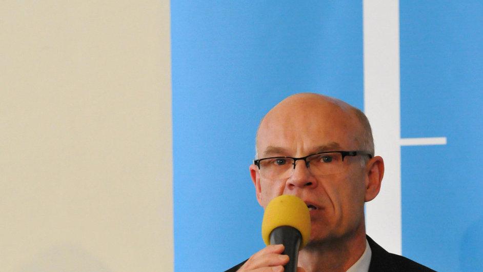 Ředitel Pražského jara Roman Bělor na květnové tiskové konferenci.
