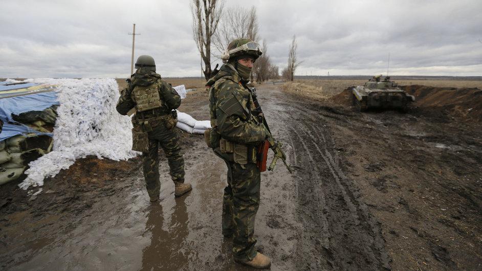 Ukrajinské armádě i gardistům se zimní výstroj bude hodit.