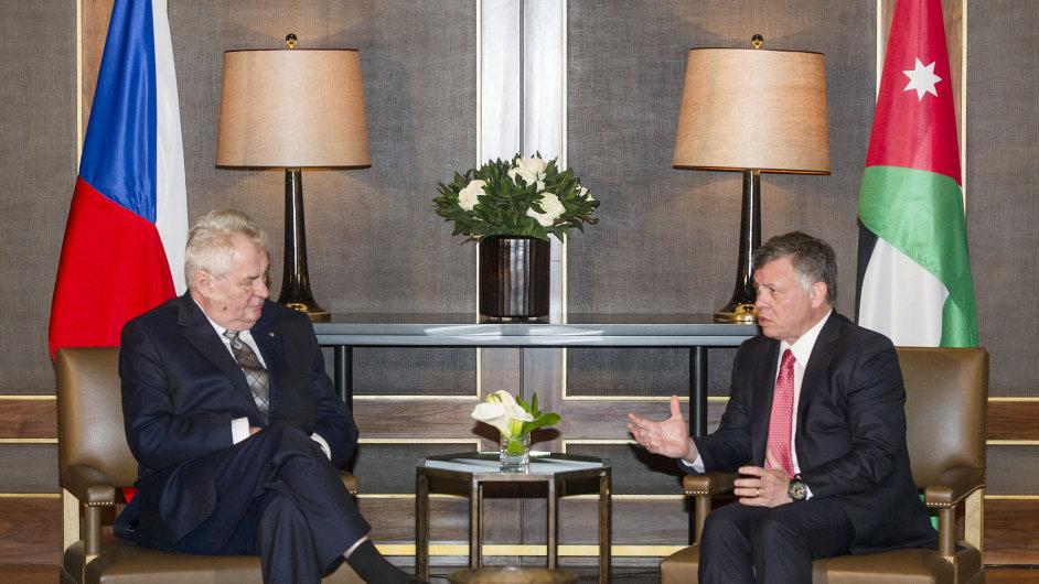 Zeman na schůzce s jordánským králem Abdalláhem II.
