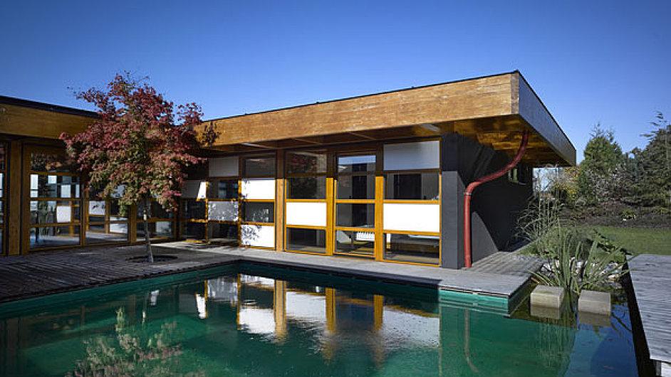 Architekti domu chtěli vytvořit prostor, který by žil a stárnul společně se svými obyvateli a poskytoval jim maximální užitný komfort.