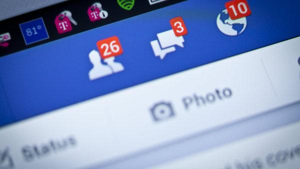 Facebook roz�i�uje sv� portfolio videoslu�eb - Ilustra�n� foto.