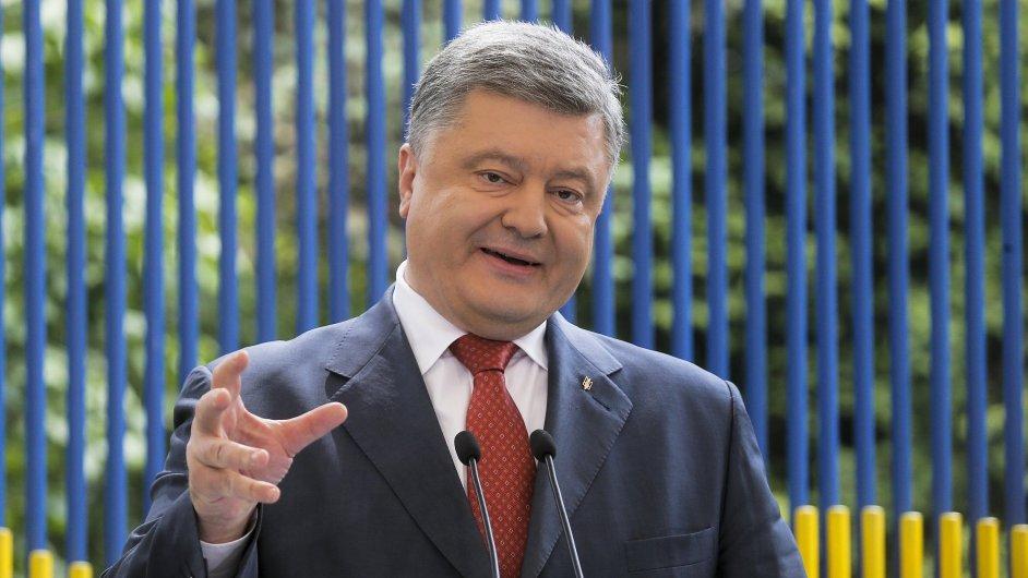 Petro Porošenko prohlásil, že volby v Donbase se mohou uskutečnit pouze v případě povolání evropské ozbrojené policejní mise.