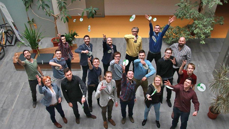 Společná fotografie finalistů Startup Show akcelerátoru Green Light.