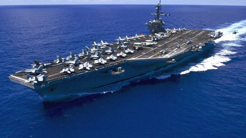 Letadlová loď USS Carl Vinson