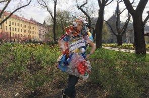 Člověk obalový šíří osvětu. Díky kampani vznikne největší bezobalový obchod v Česku