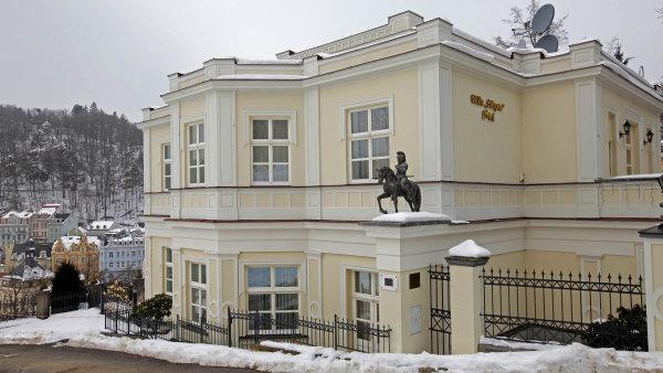 Rusové znovu nakupují v zahraničí. Místo paláců však chtějí benzinky a fitness centra, které jim budou vydělávat
