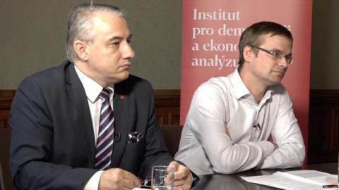 Ekonom_Mzdy_Ihned.png