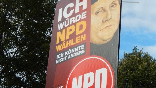 Plakát NPD, který se objevil na německých ulicích před parlamentními volbami v minulém roce.