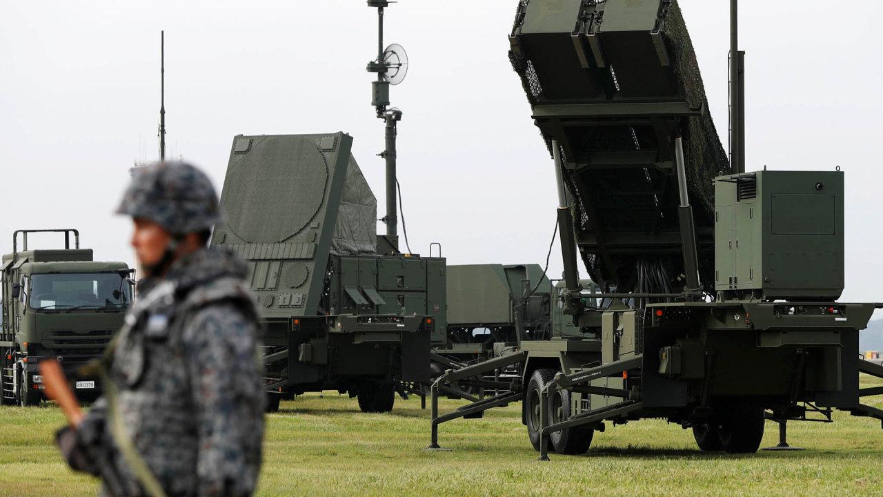 Poláci a také Rumuni mají jasno. Vědí, kde stojí přítel i nepřítel, a v souladu s doporučením NATO investují do vyzbrojování.