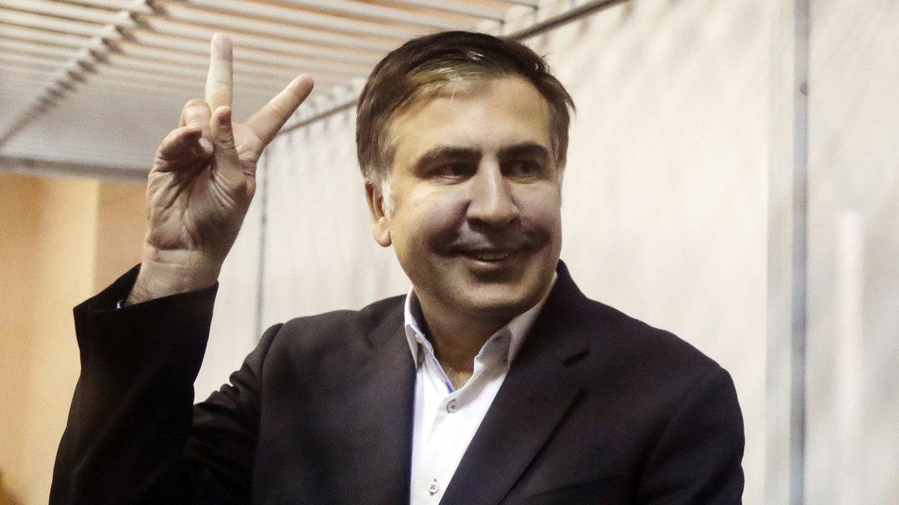 Michail Saakašvili u kyjevského soudu.
