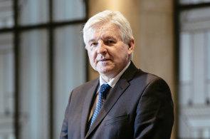 Česká ekonomika se podle guvernéra České národní banky Jiřího Rusnoka přehřívá.