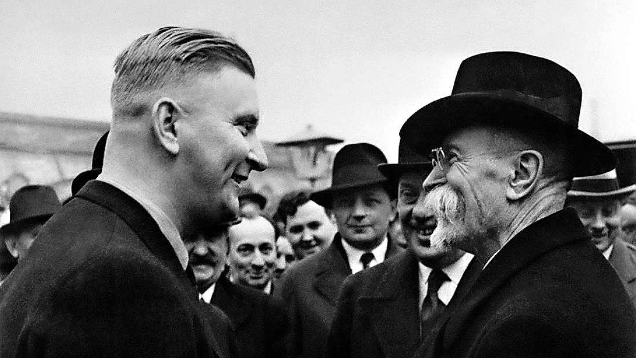 Mary Heinmannová prý mohla být k první republice kritičtější (na snímku Jan Antonín Baťa a T. G. Masaryk)