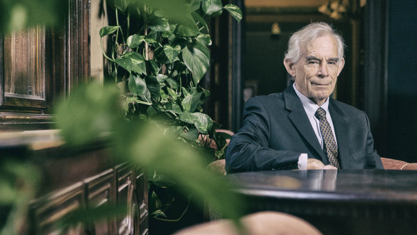 Christopher A. Sims, americký makroekonom a držitel Nobelovy ceny za ekonomii.