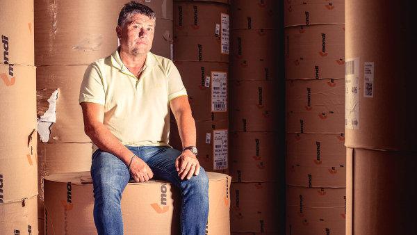 """Zdenek Stojánek, majitel společnosti Litobal:""""Děti se vydaly jinou cestou anástupce vrodině nemám. Časem najdu někoho, kdofirmu koupí abude pokračovat dál."""""""