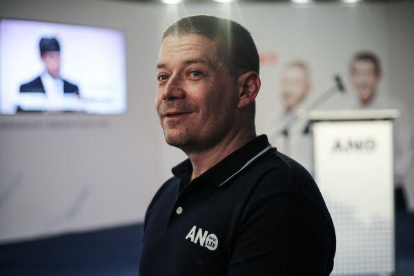 Patrik Nacher ve volebním štábu hnutí ANO.