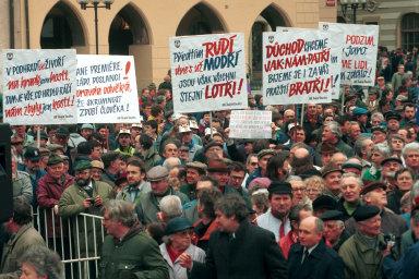 Symbolické místo novodobých dějin: Jak vypadaly největší protesty od listopadu 1989