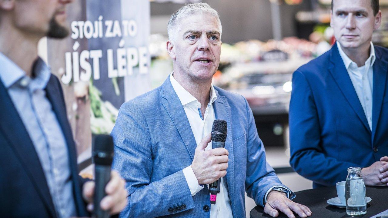 Jesper Lauridsen, šéf společnosti Albert Česká republika (uprostřed).