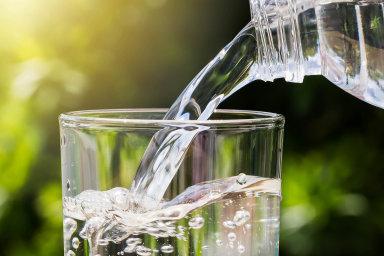 Do deseti let způsobí stoupající poptávka po vodě vzemědělství, průmyslu adomácnostech nedostatek této komodity.