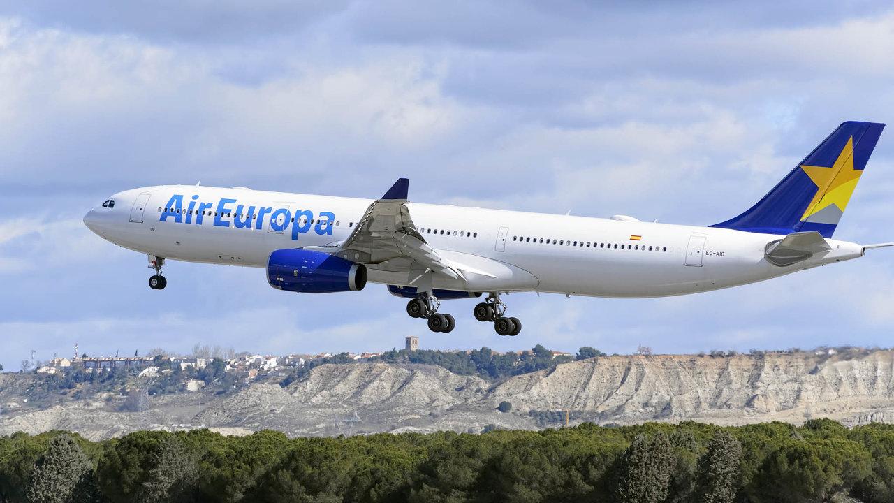 Skupina IAG, do které spadá španělský dopravce Iberia či britský British Airways, koupí společnost Air Europa. Ta je třetí největší španělskou aerolinkou, hned po Iberii aVuelingu.