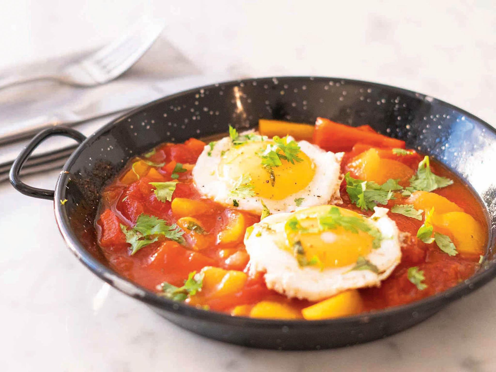 Šakšuka se sázeným vejcem