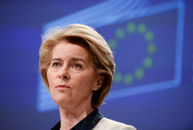Překonat šok. Koronavirus je zkouška a předsedkyně Evropské komise Ursula von der Leydenová chce podpořit ekonomiku EU, aby krizi přestála.