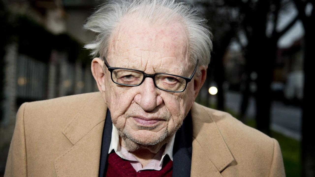 V pondělí 11. května 2020 zemřel po dlouhé nemoci ve věku 89 let slavný spisovatel, cestovatel a etnograf Miloslav Stingl (na archivním snímku ze 14. prosince 2015).