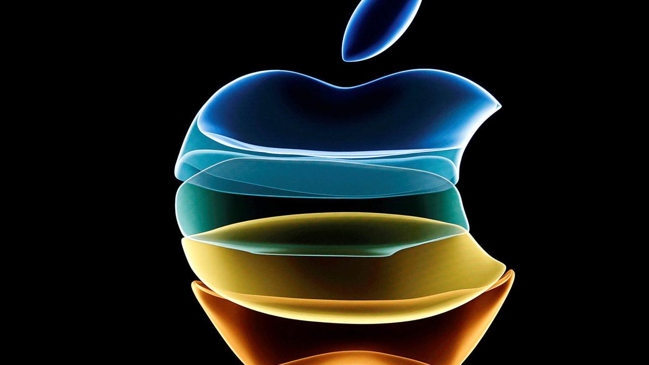 Apple musí řešit potíže v Evropě. Na snímku jeho logo na centrále v americkém Cupertinu.