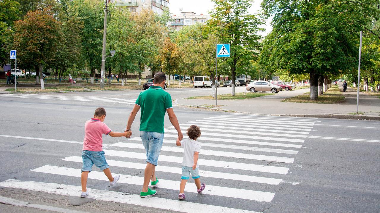 Vminulosti realizovala hned několik projektů, jejichž cílem bylo zvýšení bezpečnosti dopravního provozu achodců vLiberci (ilustrační foto).