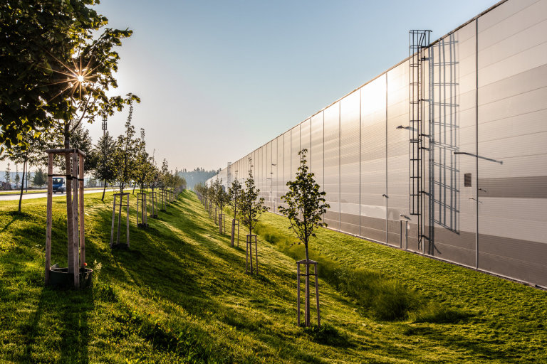 V CTParku Bor u Tachova je voda z retenčních nádrží využívána pro zavlažování zeleně.