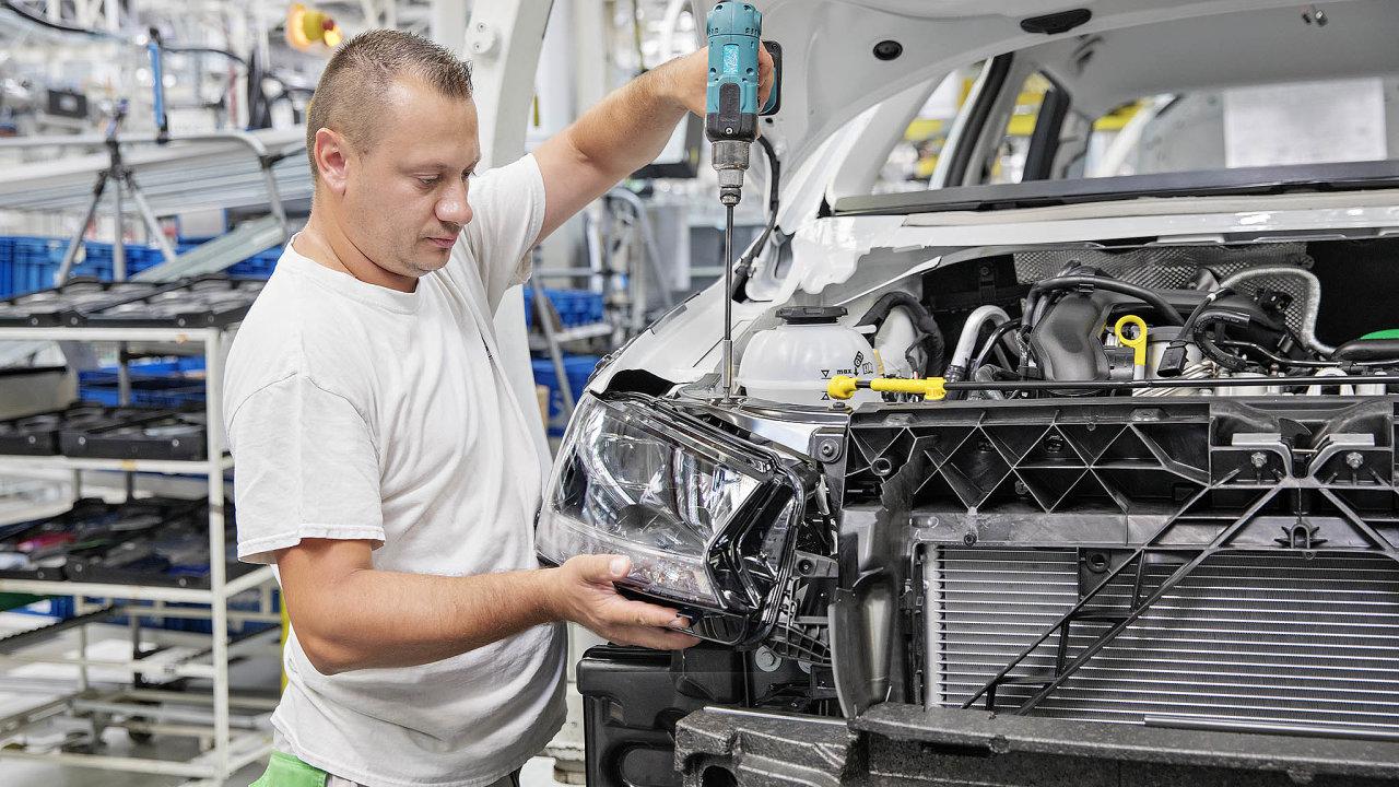 Snížená výroba. Kvůli nedostatku čipů osekává mladoboleslavská Škoda výrobu modelů Octavia aFabia.