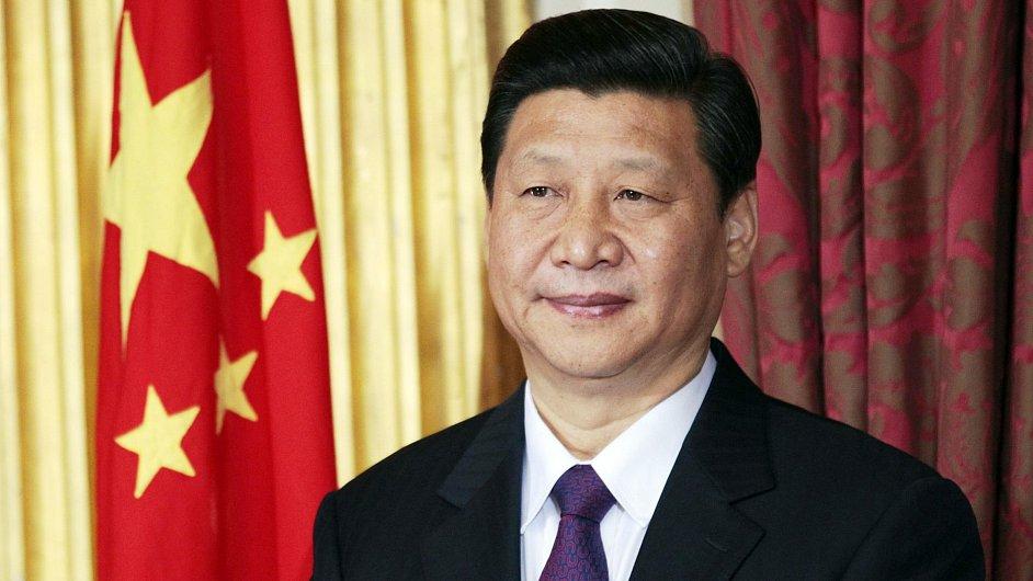 Novým šéfem čínských komunistů je podle očekávání Si Ťin-pching