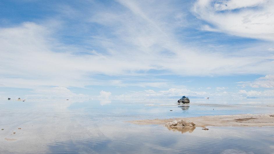 Největší solná pláň na světě Salar de Uyuni v Bolívii
