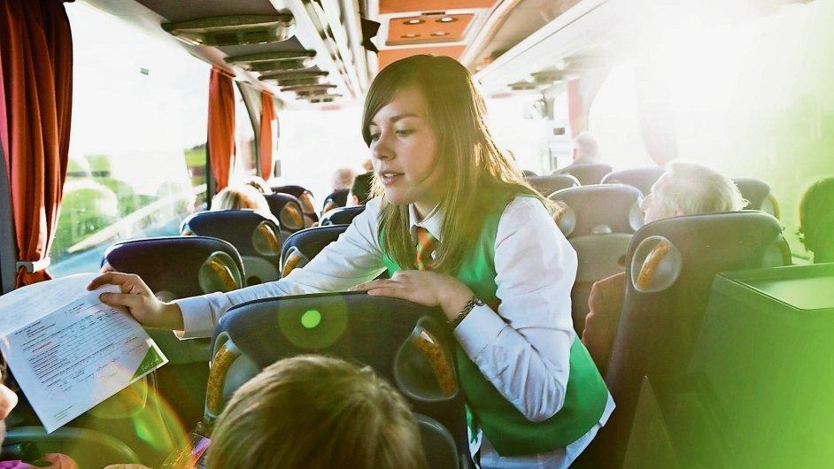Od lednového konce faktického monopolu Deutsche Bahn na německé dálkové spoje si v autobusové dopravě konkurují velcí hráči a nováčci jako Deinbus či Meinfernbus (na snímku).