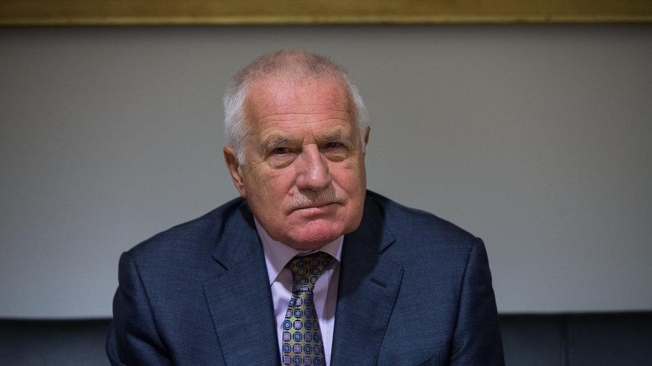 Z Ruska chodí Václavu Klausovi nejatraktivnější pozvánky