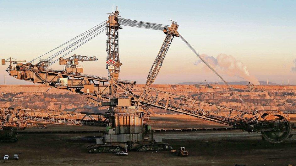 Těžba hnědého uhlí, ilustrační foto.