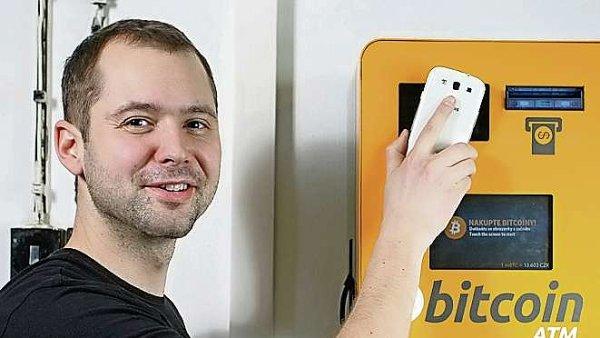 Prvn� automat na bitcoiny v �esku a jeho provozovatel Karel Kyovsk�