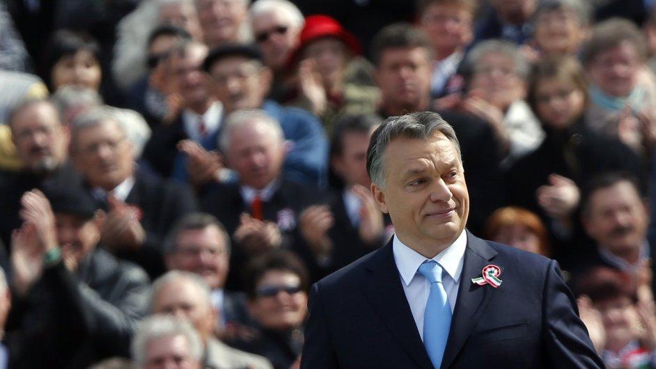 Premiér a vítěz maďarských voleb Viktor Orbán.