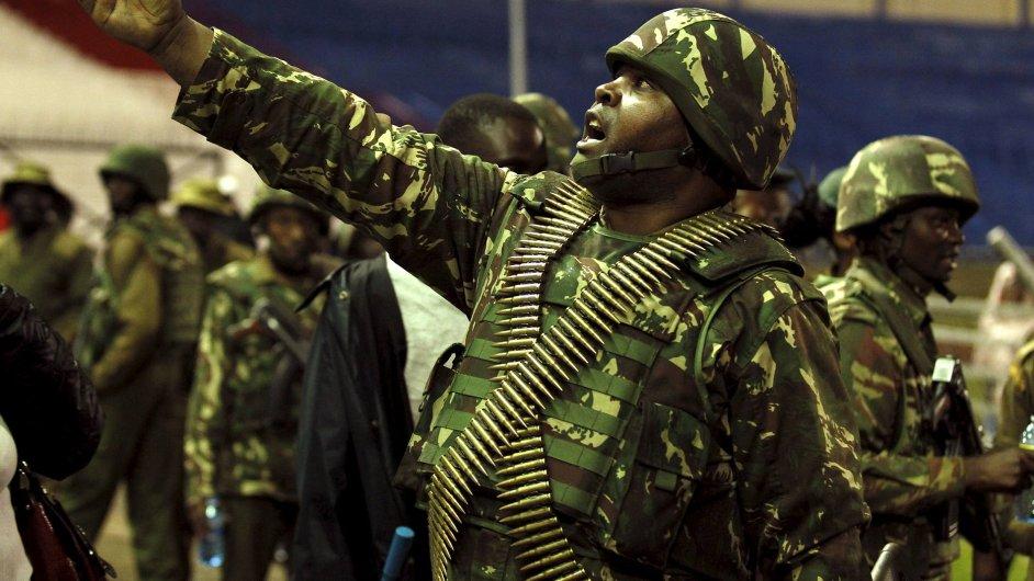 Přísné bezpečnostní opatření a třídenní smutek. Taková je Keňa po útoku Šabáb.
