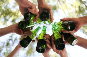 Vydržíte měsíc bez alkoholu? Uvědomíte si svůj vztah k pití, říkají organizátoři výzvy Suchej únor