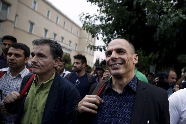 Janis Varufakis se svým pravděpodobným nástupcem Euclidem Tsakalotosem.