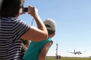 Sonda do světa lidí, kteří sledují, zaznamenávají a fotí letadla