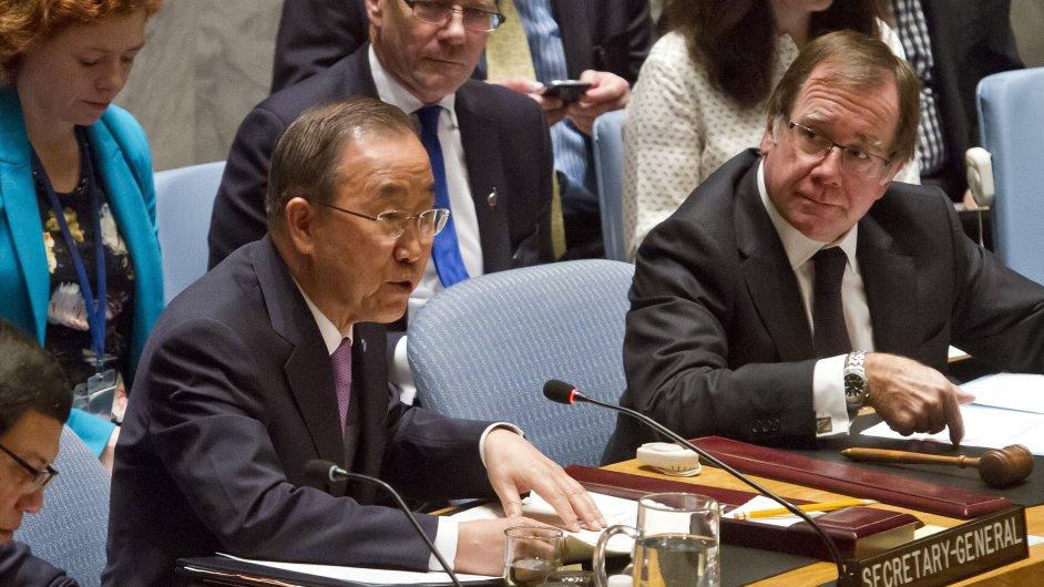 Generální tajemník Pan Ki-mun mluví na Radě bezpečnosti OSN.