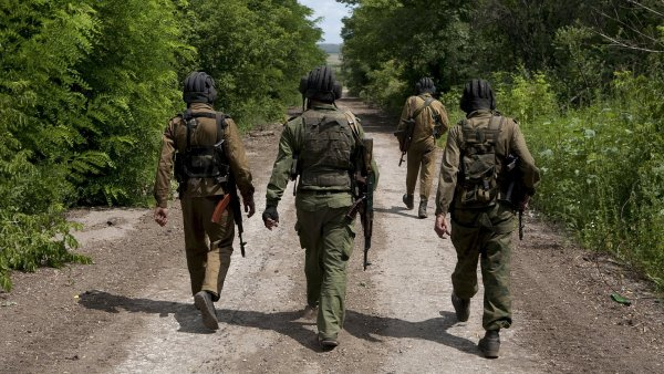 "Pozorovatel� v Donbasu na�li rusk� v�sadk��e, Kreml ""zpr�vu zkoum�"""