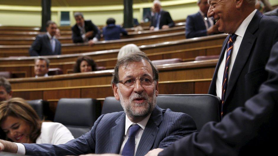 Španělský premiér Mariano Rajoy na schůzi parlamentu, který schválil Řecku novou pomoc.