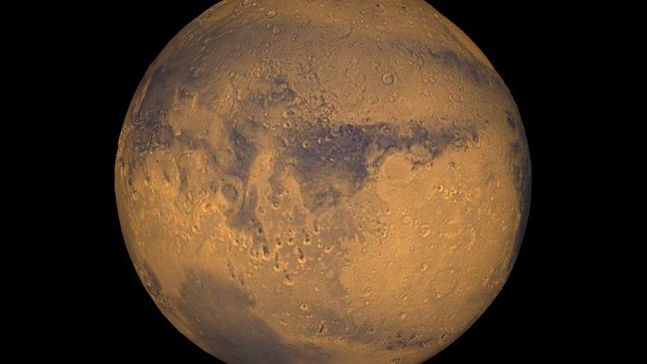 Podle NASA na Marsu existuje tekoucí voda.